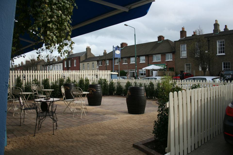 gardens-forever-lanscaping-the-bath-pub-430446