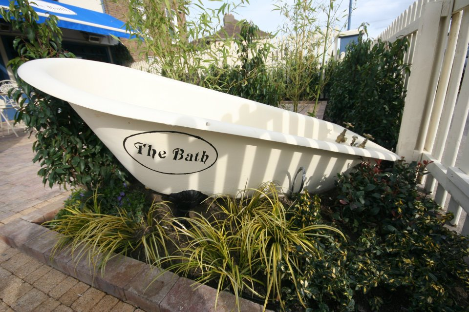 gardens-forever-lanscaping-the-bath-pub-43175
